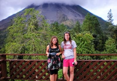 Two volunteers sightseeing in Costa Rica