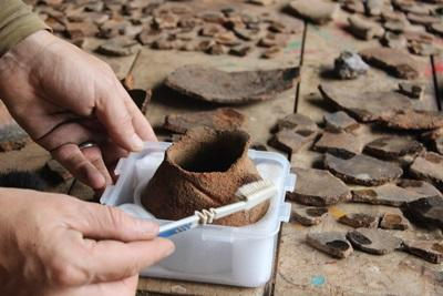 Projects Abroad volunteer works at the Incan & Wari Archaeology placement in Peru