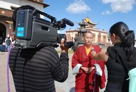 Journalism Project volunteers interview locals at their placement in Mongolia