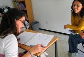 Volunteer busy with an English lesson in Belize